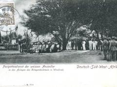 Festgottesdienst der weissen Ansiedler in den Anlagen des Kriegerdenkmals in Windhoek