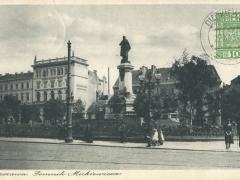Warszawa Pomnick Mickiewicza