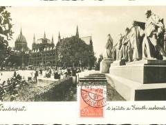 Budapest das Parlament mit der Statue Kossuth