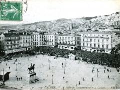 Alger-La-Place-du-Gouvernement-et-la-Casbah