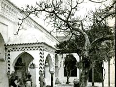Alger-Cour-de-la-Mosquee-de-la-Marine