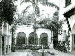 Alger-Un-patio-Mauresque