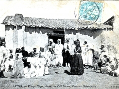Batna Village Negre devant un Cafe Maure Danseuse Ouled Nails