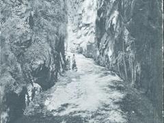 Interior des Santo del Chorro cerca Establecimiento Balncario