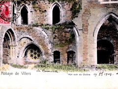 Abbaye de Villers Un coin du Cloitre