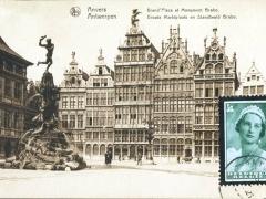 Antwerpen Groote Marktplaats en Standbeeld Brabo