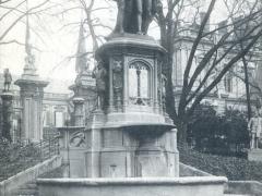 Bruxelles Square du Petit Sablon Statue des Comtes d'Egmont et de Horne
