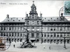 Anvers Hotel de Ville et statue Brabo