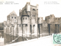 Gand Chateau des Comtes vu du Pnrt de la Decollation