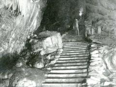 Grottes de Han L'Entree de la Salle du Dome