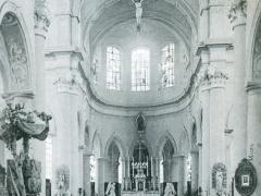 Interieur de l'Eglise St Pierre