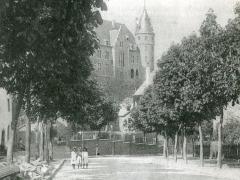 Rochefort Le Vieux Chateau