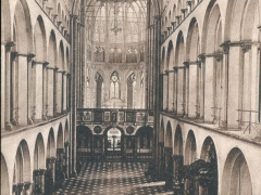 Tournai Interieur de la Cathedrale