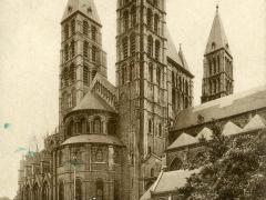 Tournai La Cathedrale Vue de la Place des Acaclas