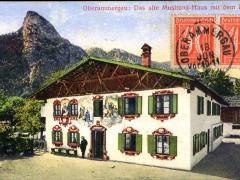 Oberammergau das alte Musltona Haus mit dem Kofel