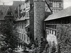 Schloss Burg a d Wupper Schlosshof