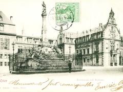 Trier Kornmarkt mit Rathaus