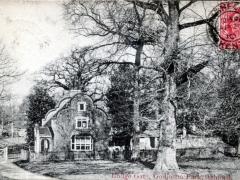 Ashford Lodge Gate Godington Park