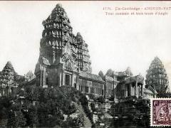 Angkor Vat Tour centrale et trois tours d'Angle