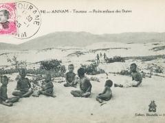 Annam Tourane Petits enfants des Dunes