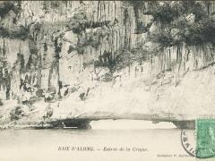 Baie d'Along Entree de la Crique