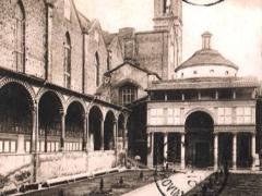 Firenze Chiesa di S Croce Veduta del Chiostro