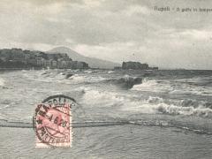 Napoli Il golfo in tempesta