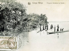 Pirogues Indigenes au Kassai Congo Belge