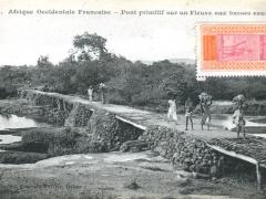 Pont-primitif-sur-un-Fleuxe-aux-basses-eaux