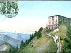 Hotel Stauserhorn mit Berneralpen