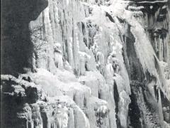 La Chute du Doubs gelee