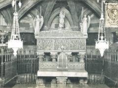 Barcelona Catedral Cripta y Sepulcro de Santa Eulalia