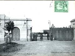 Tunis A l'Arsenal Porte de Tunis
