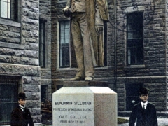 New Haven Benjamin Sillimann Monument Yale Campus